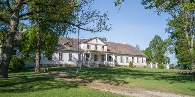 Balnkenfelde-manor-house